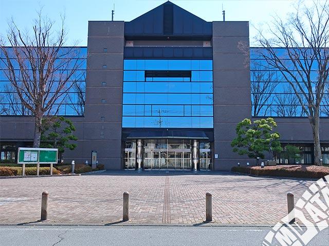 甲府市総合市民会館の写真