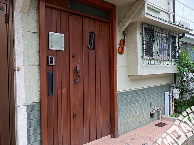 弦楽器とレコードの店プリムローズの写真
