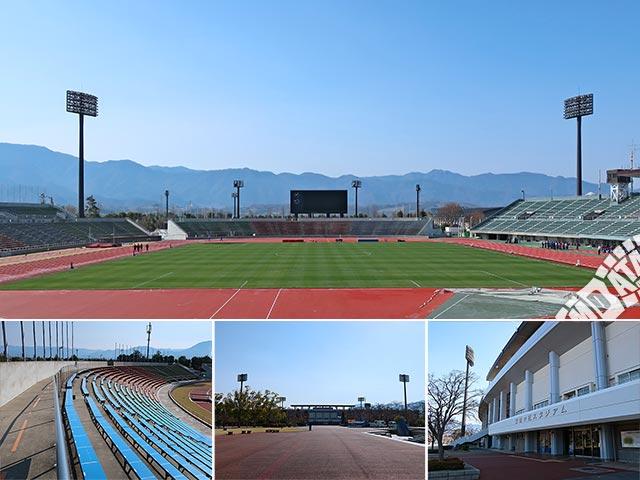山梨中銀スタジアムの写真
