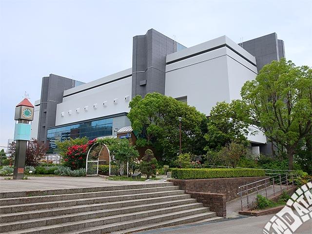 神戸市立中央体育館の写真